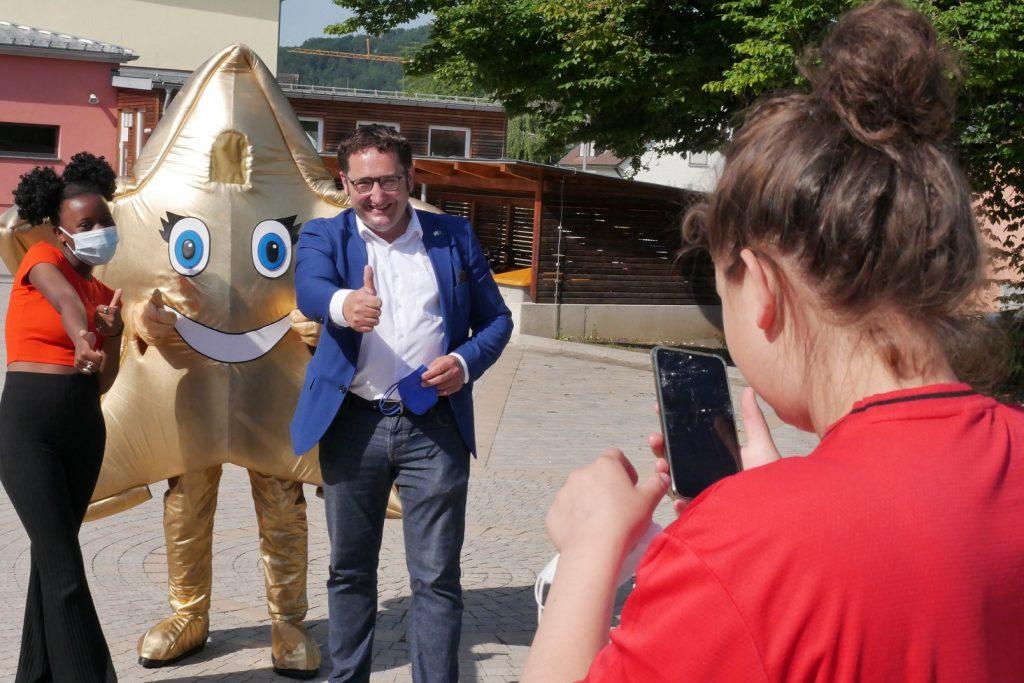 Sterni und Tobias Gotthardt besuchen Schüler